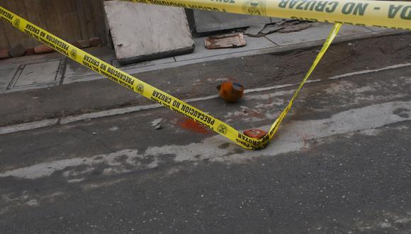 El homicida, en su huida, dejó caer una gorra de color naranja cerca de la escena del crimen. (Foto: Gonzalo Córdova)