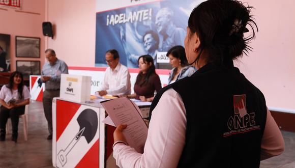 El predictamen de la Comisión de Constitución establece que las elecciones primarias abiertas y obligatorias pasan para el 2022. (Foto: GEC)