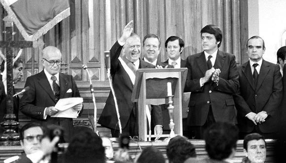 Fernando Belaunde Terry y la imagen del retorno a la democracia. (Foto: Archivo Histórico El Comercio)