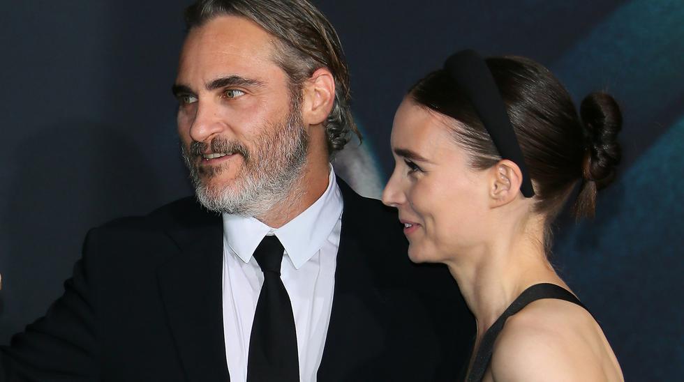 "Rooney Mara acompañando a su prometido Joaquin Phoenix en la premiere de ""Joker"" (Foto: Jean Baptiste Lacroix para AFP)"