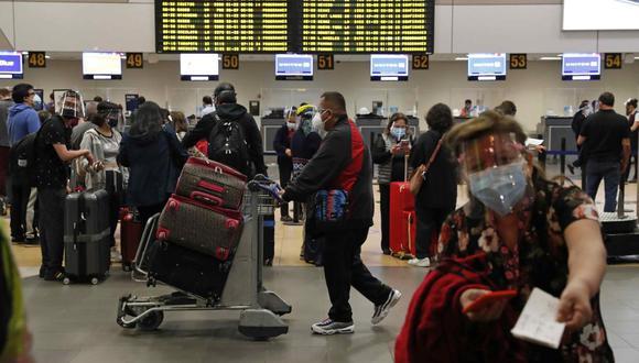 Número de viajeros con destino a EE.UU crece cada día (Foto: EFE/ Paolo Aguilar).
