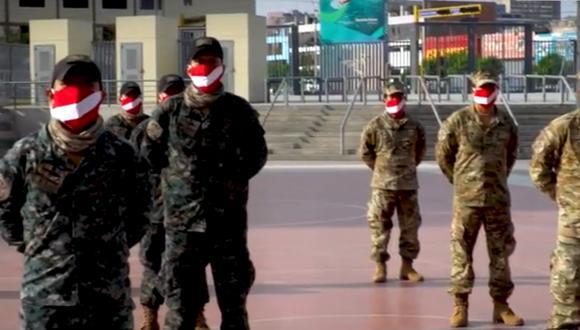 Los miembros del Ejército del Perú recibieron una donación de mascarillas y otros utensilios de aseo y protección ante la pandemia del coronavirus.