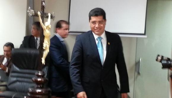 Alcalde de Surco reiteró que no conoce a Óscar López Meneses