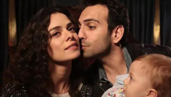 """""""Amor a segunda vista"""" es protagonizada por Özge Özpirinççi y Buğra Gülsoy. Ahora también es transmitida por Telecinco (Foto: Süreç Film)"""