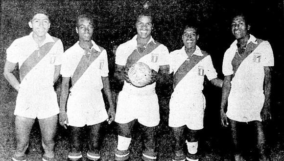 El 20 de marzo de 1958, la selección peruana Sub 20 venció por 3 a 2 a Chile en el mismísimo Estadio Nacional de Santiago. El encuentro se disputó durante el Segundo Campeonato Sudamericano de la categoría. Esta fue la primera victoria de una selección peruana juvenil en la capital mapochina. (Foto: GEC Archivo Histórico)