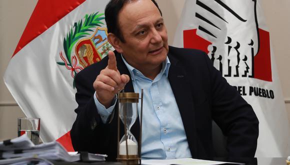 Walter Gutiérrez, defensor del Pueblo, dijo que hará los esfuerzos para articular el diálogo entre Ejecutivo y Congreso. (Foto: GEC)