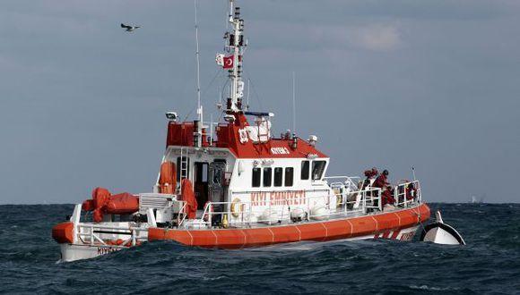 Naufraga un barco lleno de refugiados en Turquía
