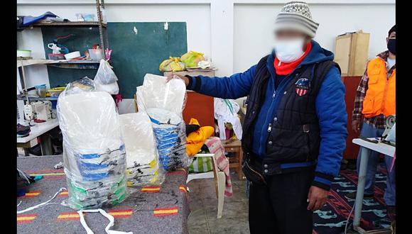 Arequipa: reclusos fabrican protectores faciales para COVID-19 y hacen ventas al por mayor y menor