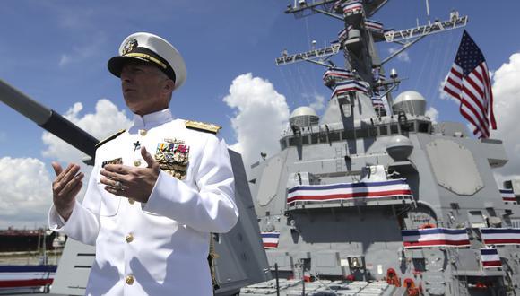 """""""La marina de EE.UU. es la más poderosa del mundo. Si una decisión política se toma para desplegar la marina, estoy convencido de que seremos capaces de hacer lo que sea preciso"""", dijo el jefe del Comando Sur de EE.UU. (AP)"""