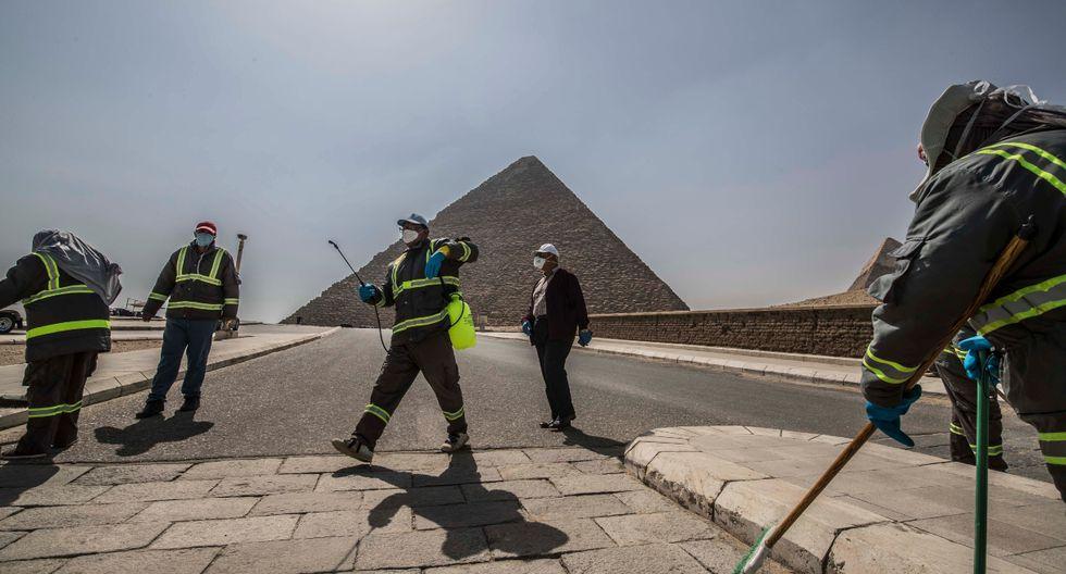 Egipto mantiene suspendidos todos los vuelos internacionales desde el 19 de marzo y ayer anunció la extensión hasta el 15 de abril de esta decisión, mientras las autoridades siguen incrementando las medidas de confinamiento y limitación de la actividad en espacios públicos. (AFP).