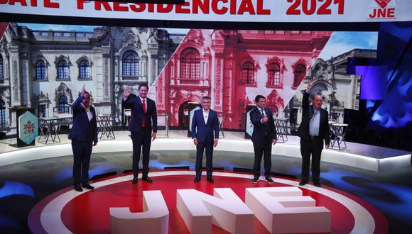 El tercer debate del JNE se realizó con cinco candidatos presentes en el Centro de Convenciones de Lima. El sexto, Ciro Gálvez, se conectó a través de los medios virtuales. (Foto: Hugo Pérez   GEC)