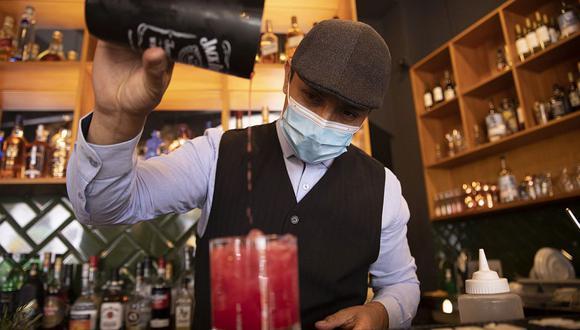 En Intro Café Bar se priorizan los insumos peruanos tanto para las bebidas como para las comidas. (Foto: José Rojas / El Comercio)