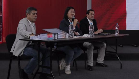 """El partido de Keiko Fujimori informó que presentó 946 solicitudes de nulidad de actas. Según Miguel Torres, """"implica 1.119 mesas, que representan más de 250.000 votos"""". (Foto: Leandro Britto / GEC)"""