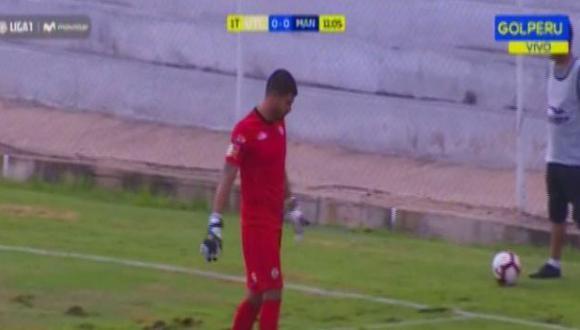 La caída de Erick Delgado en duelo ante Carlos A. Mannucci por la Liga 1. (Captura: Gol Perú)