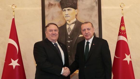 Mike Pompeo habló con Recep Tayyip Erdogan por el caso del periodista desaparecido Jamal Khashoggi. (EFE)