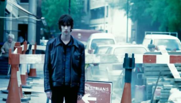 """Escena del video de """"Bitter Sweet Symphony"""" de The Verve."""