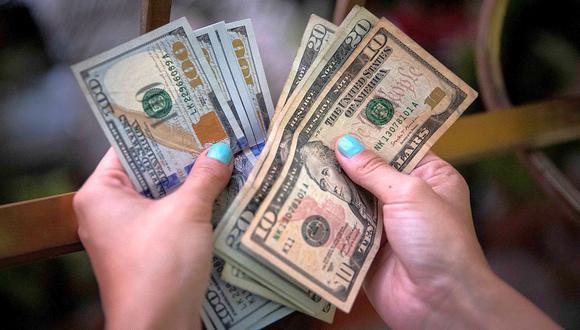 El dólar se negociaba en 19,9480 pesos en México este viernes. (Foto: AFP)