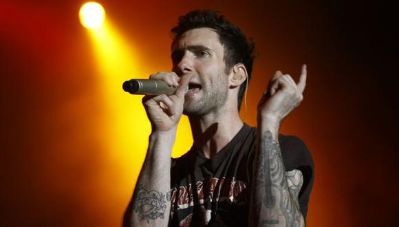 Adam Levine fue atacado por fanática en pleno concierto