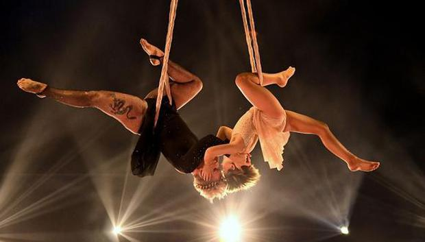 Pink performed with her 9-year-old daughter showing off her powerful gymnastic skills.  (Photo: AFP)