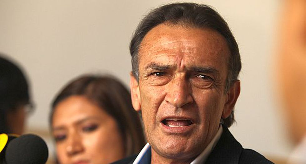 """Becerril: """"El Perú no está pidiendo consensos de minorías"""""""
