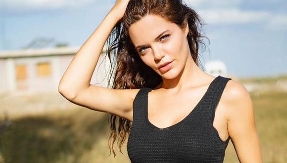 La actriz es comparada con Angelina Jolie por sus predominantes facciones faciales (Foto: Hilal Altınbilek / Instagram)