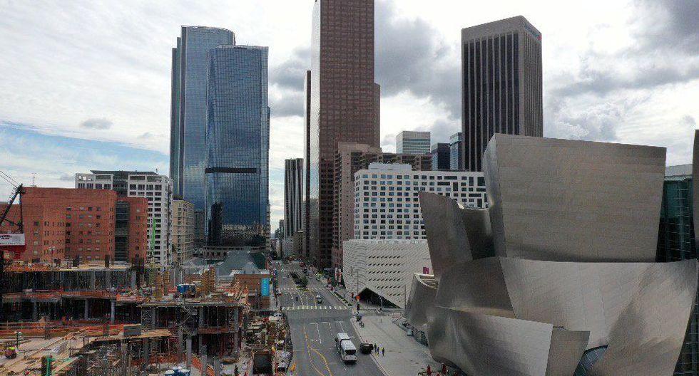 Una vista general del centro de Los Ángeles y el Walt Disney Concert Hall después de que el gobernador de California emitiera una orden de quedarse en casa debido al coronavirus. (REUTERS / Lucy Nicholson).
