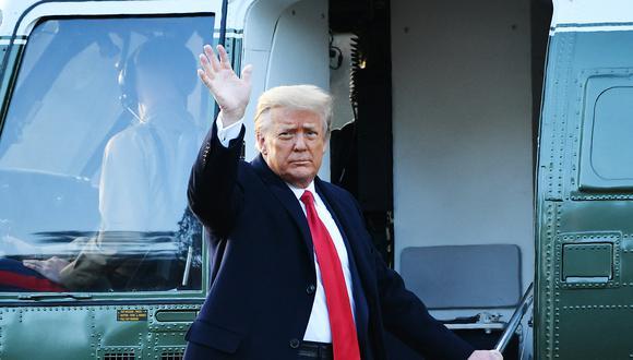 """La plataforma """"From the Desk of Donald J. Trump"""" (Desde el despacho de Donad J. Trump) recoge vídeos del expresidente republicano, sus declaraciones en los comités de acción política (PAC) enviadas por correo electrónico y otras noticias. (Foto: MANDEL NGAN / AFP)"""