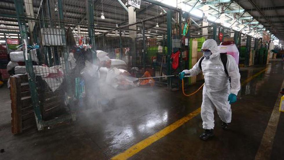 Minagri informó que alrededor de 1.200 puestos de venta ubicados en el Gran Mercado Mayorista de Santa Anita fueron desinfectados. (Foto: Minagri)