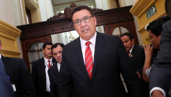 El ministro de Defensa, José Huerta, brindó su respaldo al general Manuel Gómez de la Torre. (Foto: GEC)