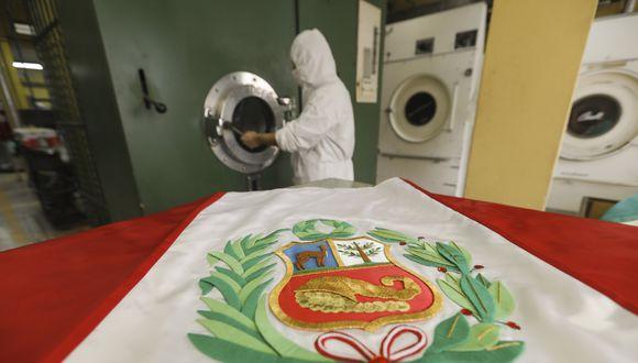 Lavandería Continental: aquí se lavan las bandas presidenciales del Perú. FOTO: Richard Hirano.
