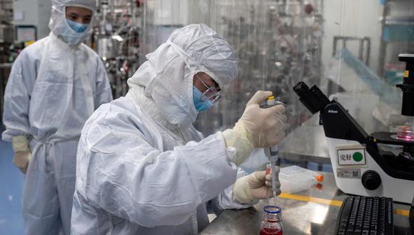 La iniciativa de la OMS se ha fijado entre sus objetivos principales el envío hasta mediados del 2021 de 500 millones de tests y 245 millones de tratamientos para el coronavirus COVID-19 a países en desarrollo. (Foto: AFP / NICOLAS ASFOURI)