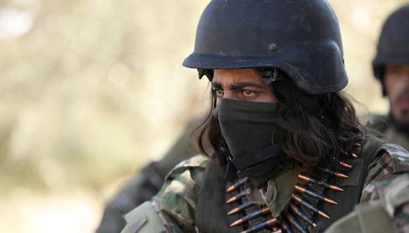 Donald Trump advierte a Siria, Rusia e Irán contra ataque a la provincia de Idlib. En la imagen, una combatiente rebelde. (AFP).