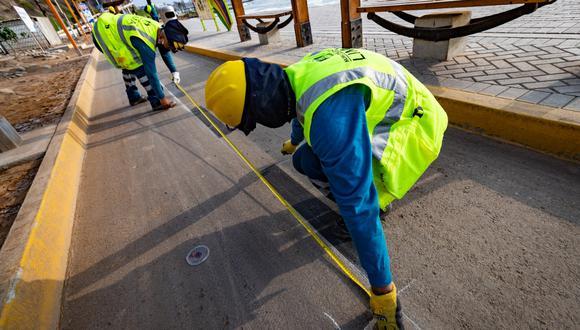Emape inició los trabajos de mantenimiento en la totalidad de la ciclovía de la Costa Verde. (Foto: MML)