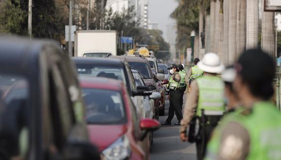 La medida busca evitar que la ciudadanía se traslade de un distrito a otro. (Foto: Leandro Britto / @photo.gec)