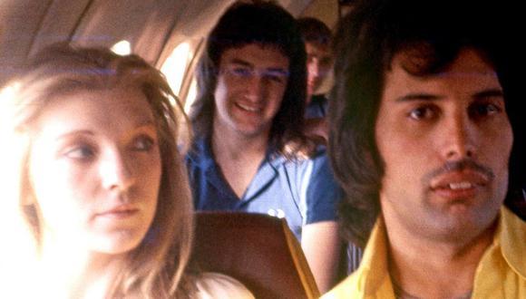 Mary Austin y Freddie Mercury. (Foto: Reddit)