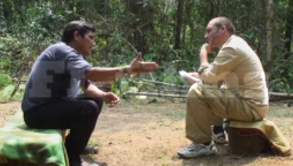 Jorge Quispe Palomino (de azul) siendo entrevistado por el periodista Fernando Lucena. (Captura: video de Youtube)