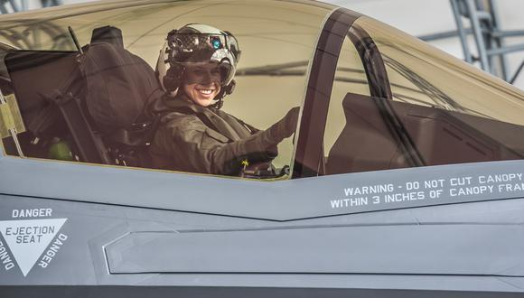 Primera vez que una mujer piloteará un avión militar F-35. Foto: Marines/ The Oficial Website of the United States Marine Corps