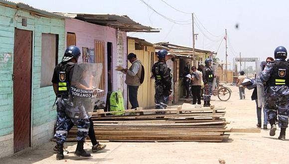 Comas: inician desalojo de invasores de ribera de río Chillón