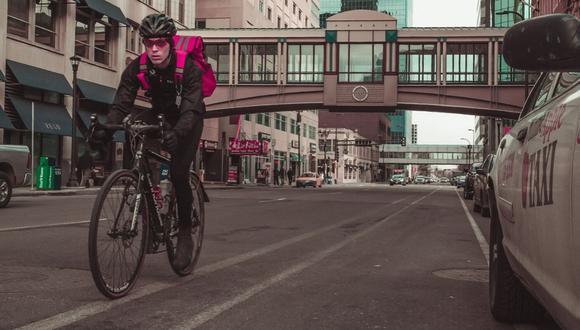 Recomendaciones para mejorar la convivencia de los ciclistas y conductores. (Foto: Pexels)