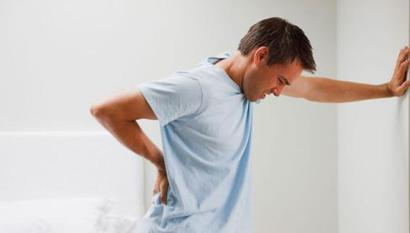 El 70% de las poblaciones en países industrializados sufre de problemas de espalda, según la Organización Mundial de la Salud (OMS). (Foto: iStock)