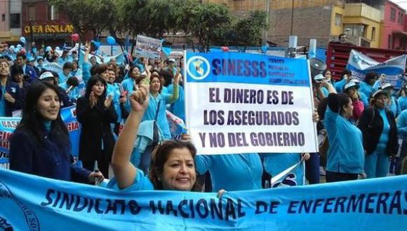 Las enfermeras protestaron en Jesús María frente al Minsa.
