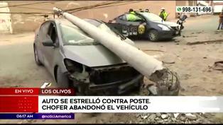 Los Olivos: conductor abandona su vehículo tras impactar contra un poste de luz