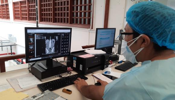 La intervención quirúrgica, que duró aproximadamente una hora y 20 minutos, se realizó con éxito por parte de los médicos de la Red Asistencial de Madre de Dios   Foto: Essalud