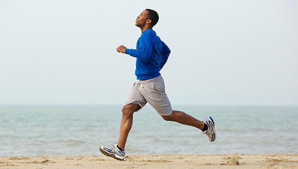 Los corredores poco entrenados, que aumentan equilibradamente su kilometraje semanal a 40 kilómetros, mejoran su capacidad aeróbica en aproximadamente 30%.