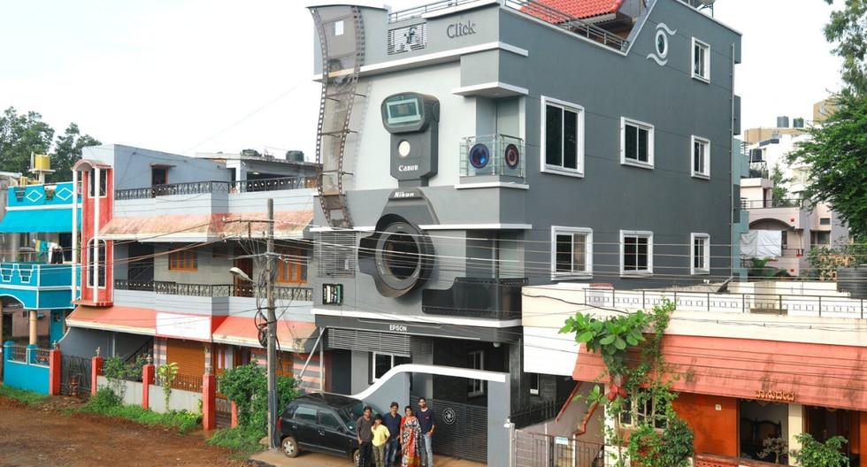 FOTO 1 DE 5 | La pasión de un hombre en la India por la fotografía es tan grande que construyó una casa en forma de cámara. | Crédito: @NirmalGanguly en Twitter. (Desliza hacia la izquierda para ver más fotos)