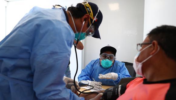 Los asegurados podrán ser tratados por infección debida a coronavirus, neumonía, bronquitis y otros males respiratorios. (Foto: GEC)