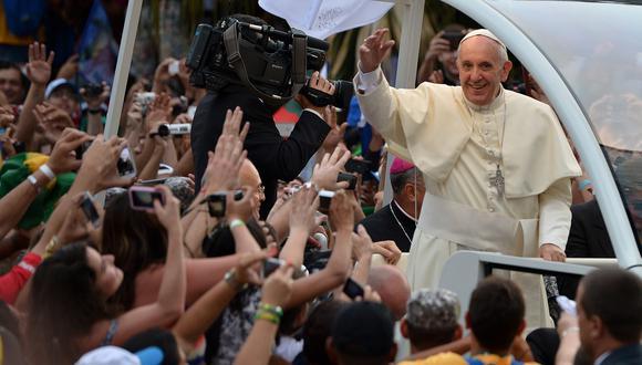 Piqué resalta que Bergoglio es un hombre de gobierno, pero ante todo es una persona libre y auténtica. (AFP)