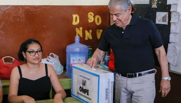 El presidente del Consejo de Ministros, César Villanueva, dijo respetar las opiniones de los congresistas que piden su salida. (Foto: Difusión)