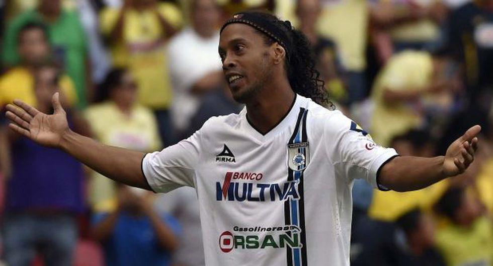 Ronaldinho dejó el Querétaro y agradeció a afición de México