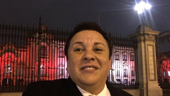 La fiscalía también investiga contratación del Ministerio de Cultura al polémico cantante 'Richard Swing'. (Foto: Facebook Ricardo Cisneros)